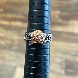 3/25: Size 9 Flower Ring 3D Rose Gold & Silvertone